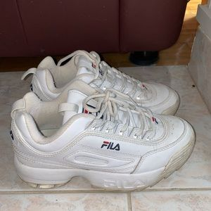 fila shoes 7 US women's